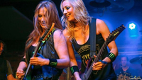 Nita Strauss with Courtney Cox